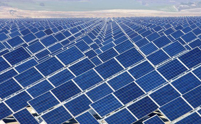 تعرف علي المحطة الشمسية الجديدة بقرية فارس بكوم امبو اسوان بالارقام