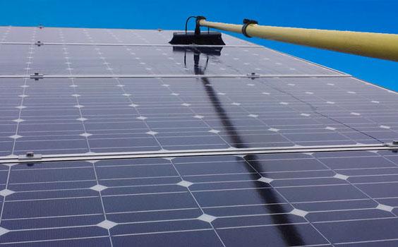 صيانة محطات طاقة شمسية متصلة بالشبكة و اعمدة إنارة بالطاقة الشمسية